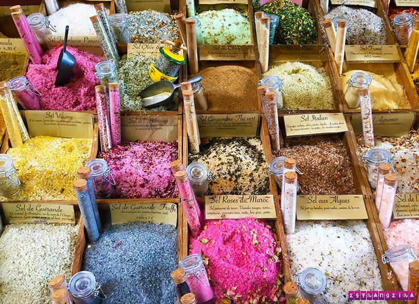 Loja de hervas de Provença. Imaginem que delícia!