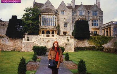 Eu realizando meu sonho de visitar St Catherine's Court.