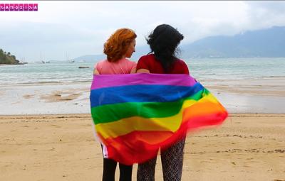 Seja para onde for, levamos a bandeira LGBT conosco!