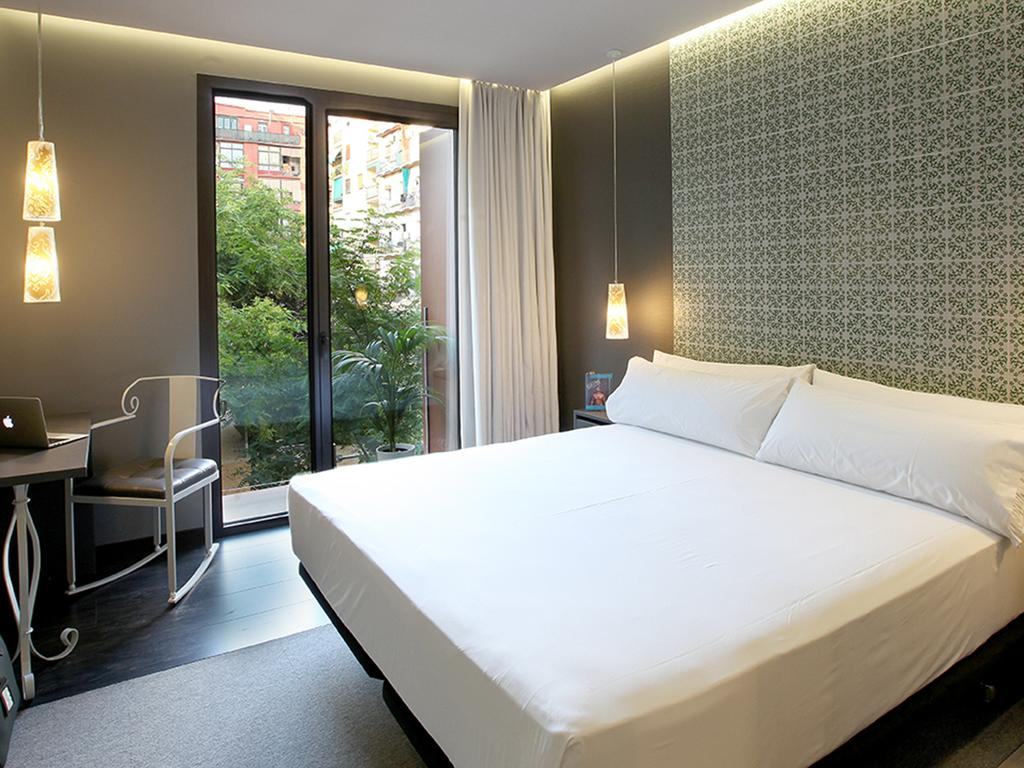 quarto-hotel-two-barcelona-lgbt