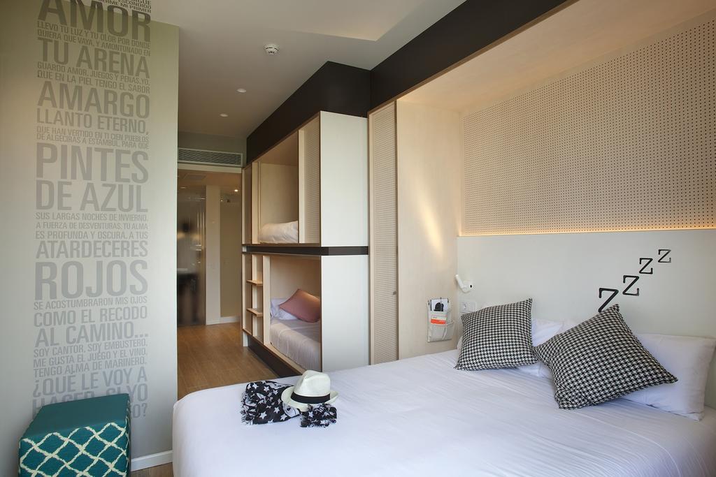 Quarto toc hotel barcelona lgbt estrangeira - Toc toc barcelona ...